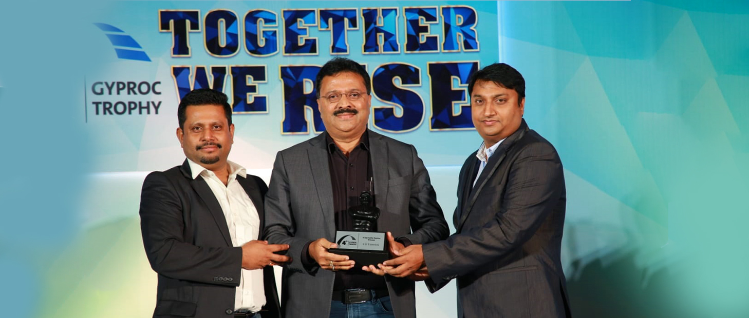 S&T India awarded Saint Gobain's Gyproc Trophy & HSE Performance Rolling Plaque