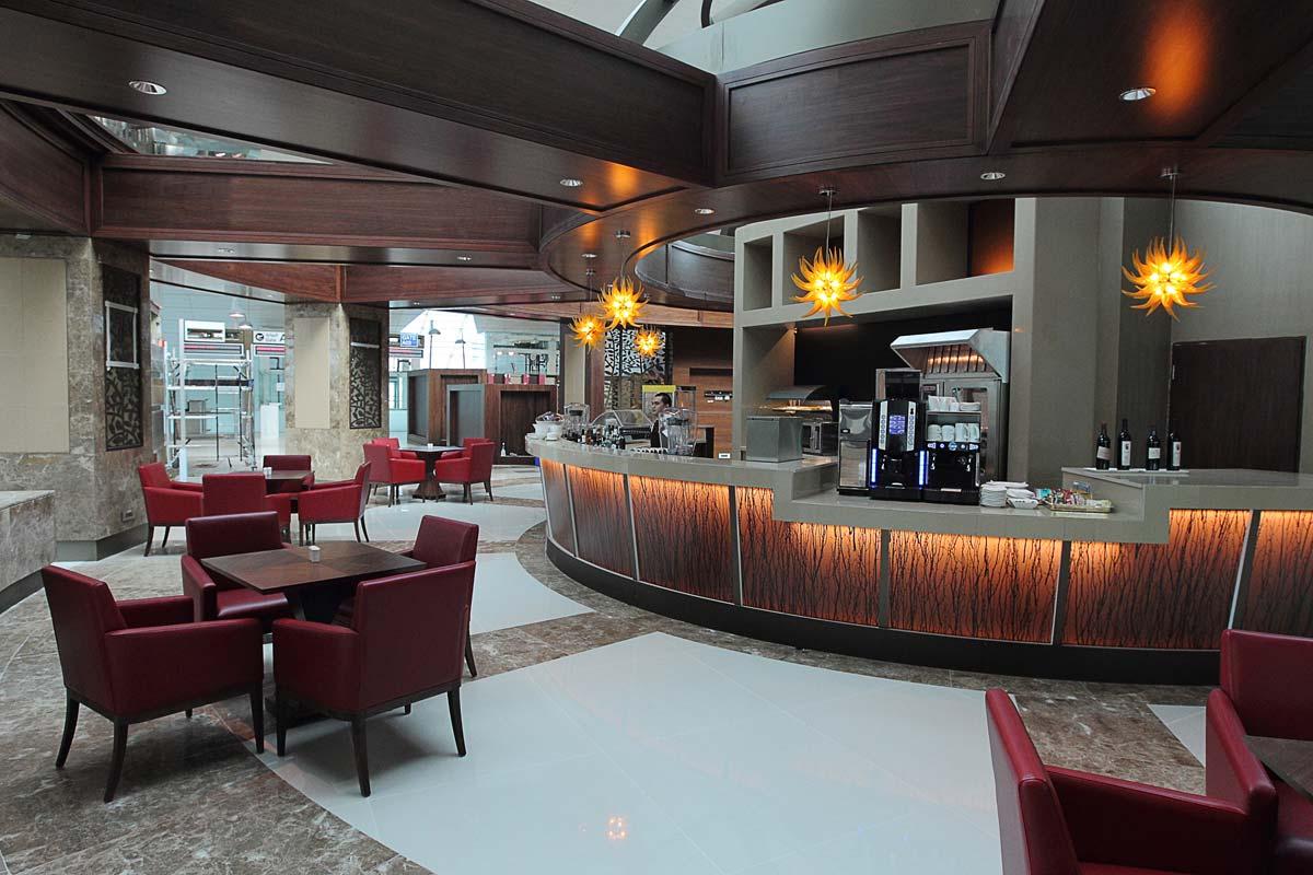 Dubai international airport business class lounge for International decor dubai